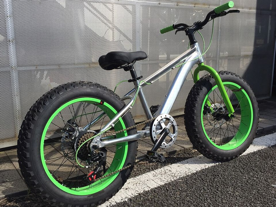 stryke BMX fat bike green